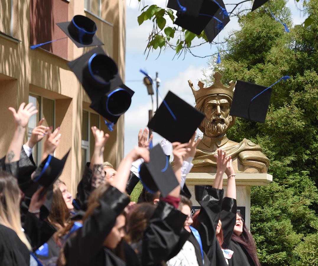 Cursul festiv pentru absolvenții claselor a XII-a