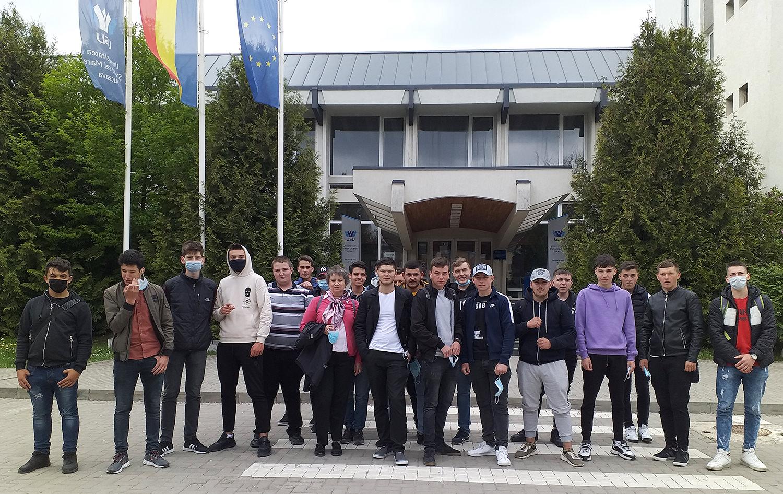 Elevii claselor a XI-a și a XII-a au vizitat Universitatea Ștefan cel Mare (USV) din Suceava în cadrul proiectului ROSE